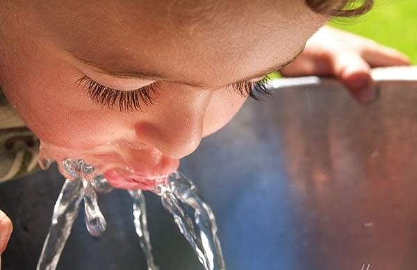 Woda prosto z kranu czy wymaga dezynfekcji?